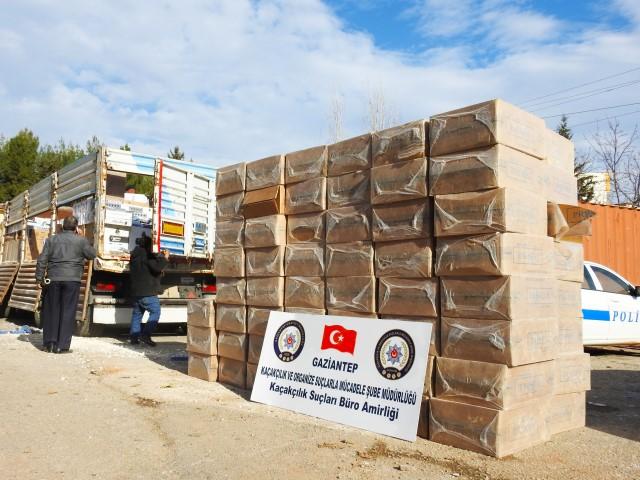 140 Bin paket gümrük kaçağı sigara ele geçirildi