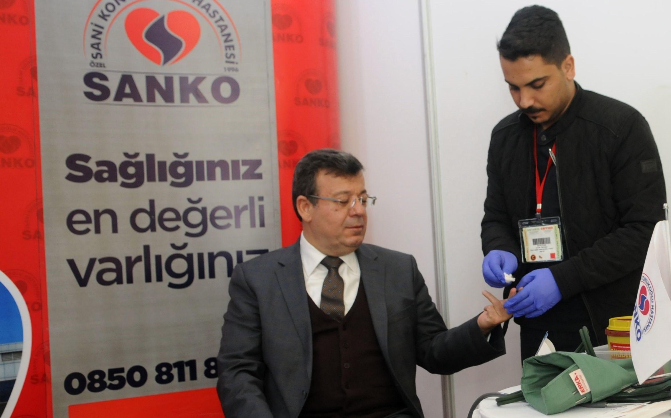 Sani Konukoğlu Hastanesi, GAPFOOD ve GAPTARIM Fuarlarında stant açtı