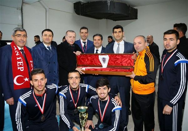 Cumhurbaşkanı Erdoğan Avrupa Şampiyonlarını kutladı