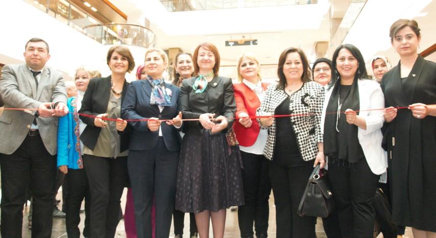 Gaziantep'in başarılı kadınları bu sergide buluştu