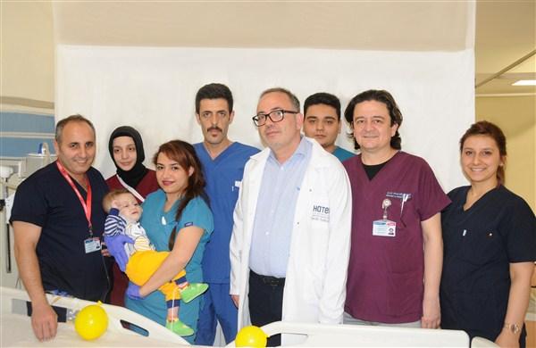 Abdülihal bebek, Hatem Hastanesi'nde yeniden yaşama tutundu