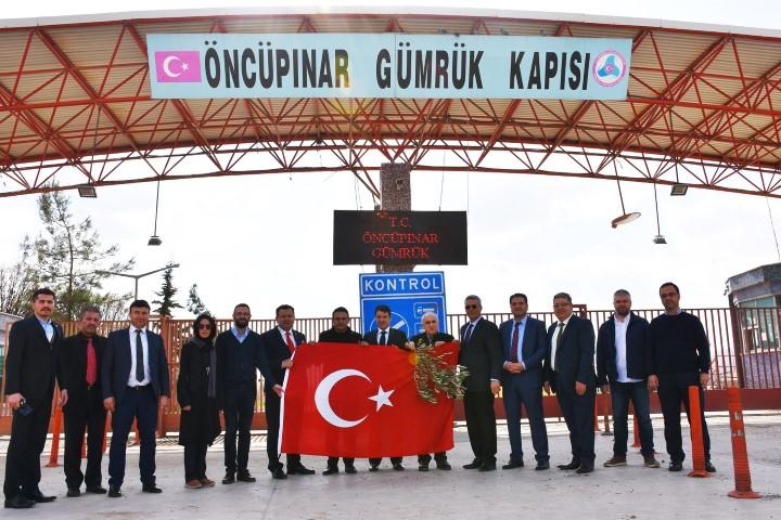 THF Mehmetçiğe destek için sınırda
