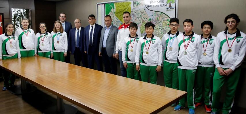 ŞEHİTKAMİL'den milli takıma 4 sporcu