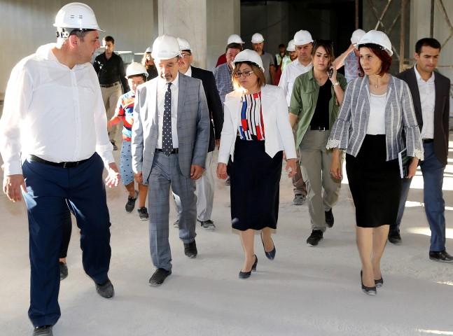BAŞKAN ŞAHİN, Panorama 25 Aralık Müzesi İnşaat Çalışmalarını İnceledi