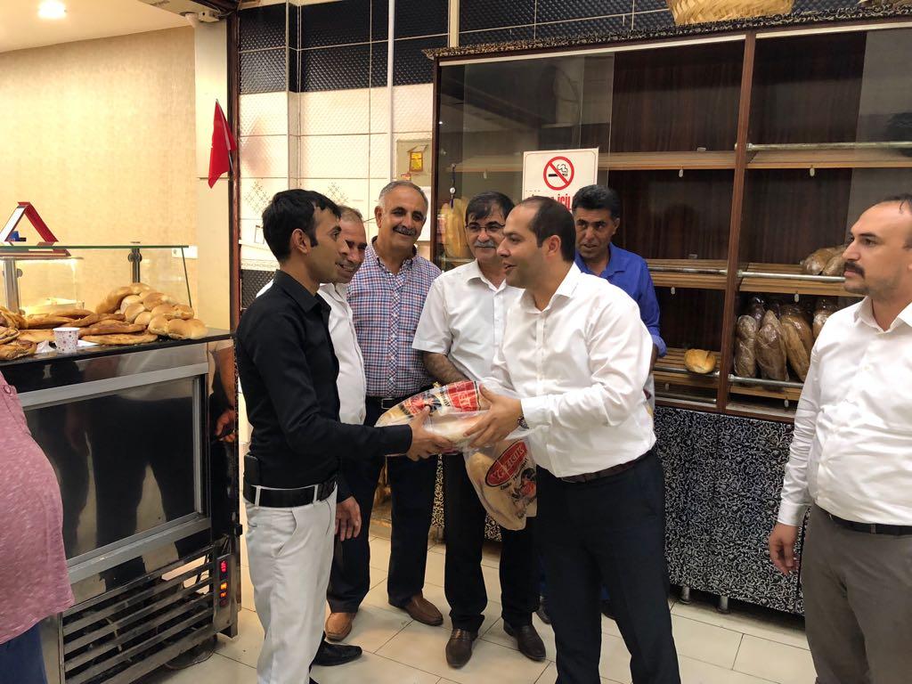 """MHP Lideri Bahçeli'nin """"Askıda Ekmek""""projesine Gaziantep'ten destek"""