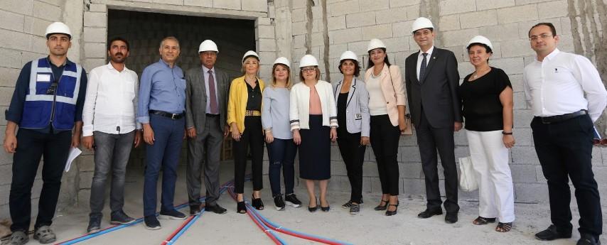 BAŞKAN ŞAHİN, Kadın girişimci destek merkezi inşaat alanındaincelemelerde bulundu