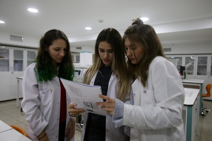 Üsküdar Üniversitesi Sağlık Bilimleri Fakültesi çalışmalarını sürdürüyor