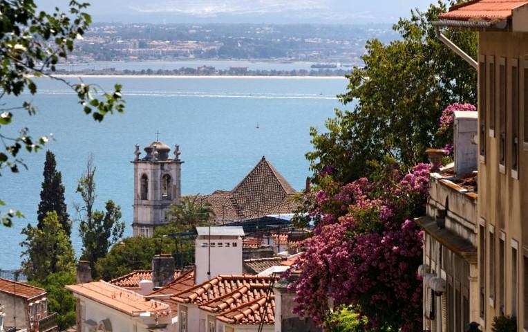 Turizm ve İnşaatta yükselişe geçen Portekiz'e Türk Yatırımcı Rağbeti