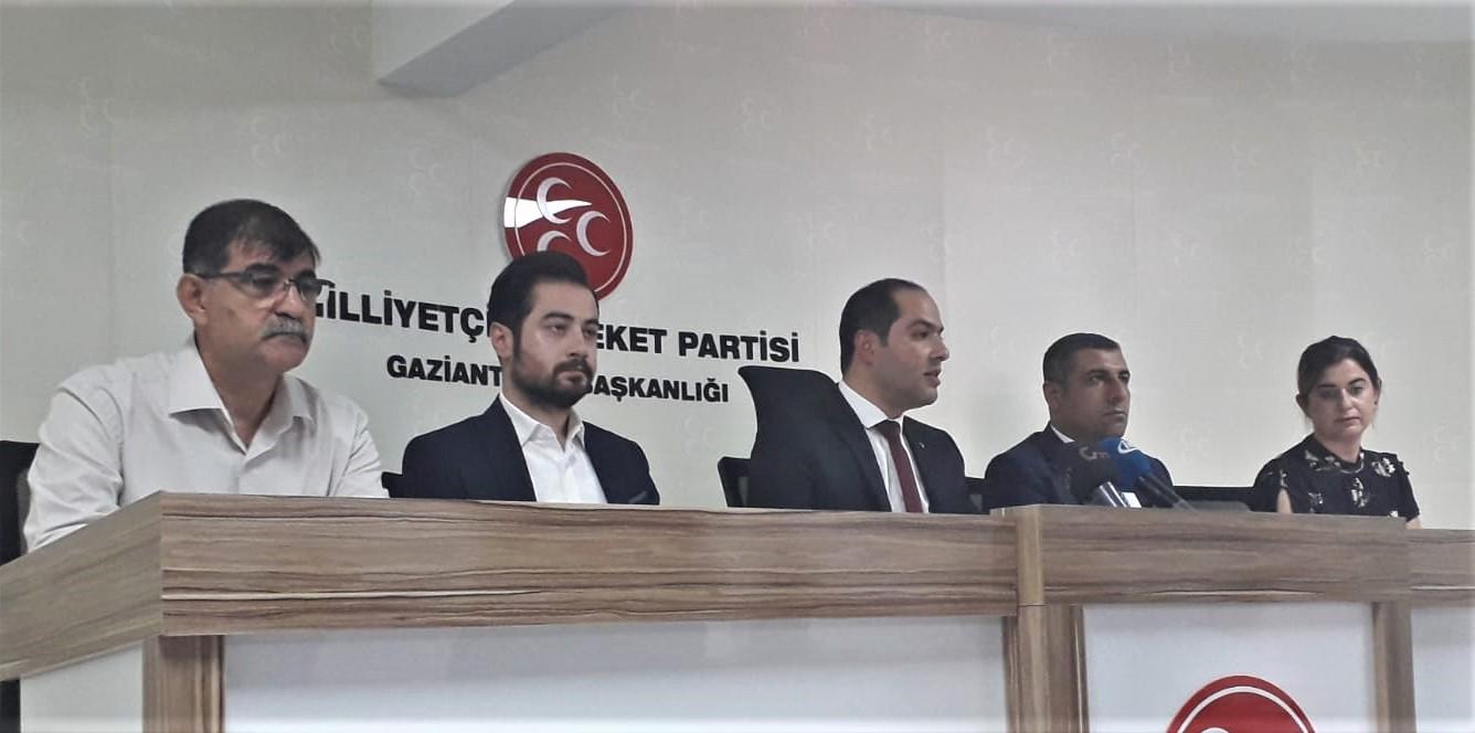 MHP Gaziantep İl Başkanı Çelik ve Milletvekili Taşdoğan'dan  iPhone tepkisi