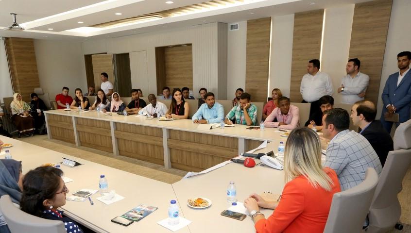 Büyükşehir, 27 ülkeden 40 öğrenci ağırlıyor