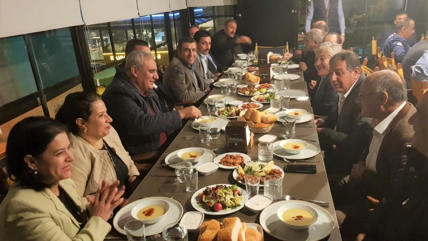 MHP'li Taşdoğan sorunlara çözüm bulmak için STK'larla birarada