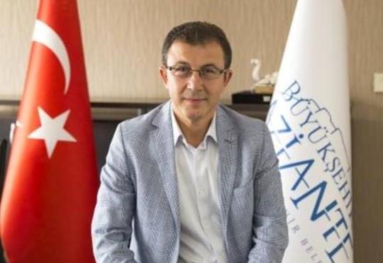 Deniz Köken, Eyüp Belediye Başkan aday adaylığı için görevinden istifa etti