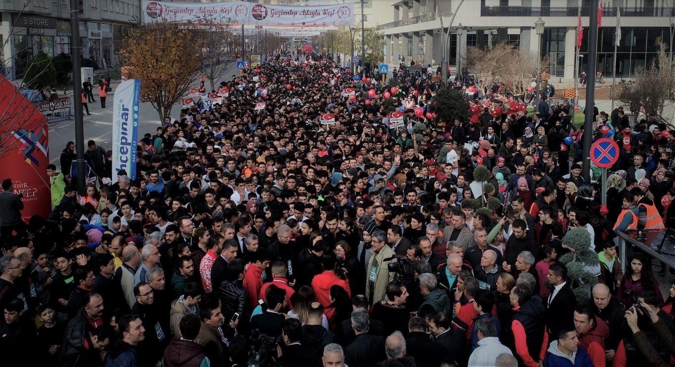 6 Ülke, 54 İlden 64 Bin kişi Gaziantep aşkıyla koştu