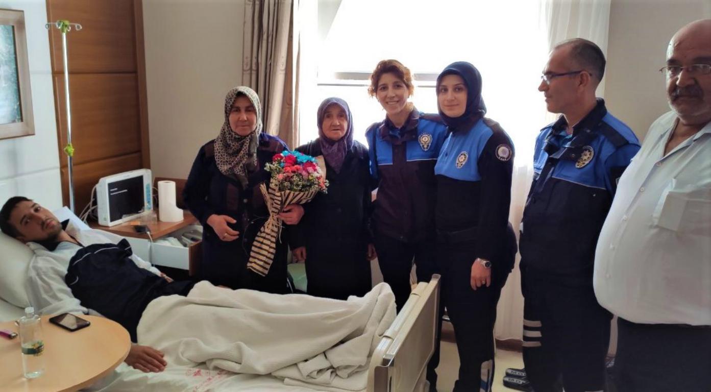 Polisler, Barış Pınarı Harekatında yaralanan askerleri ziyaret etti