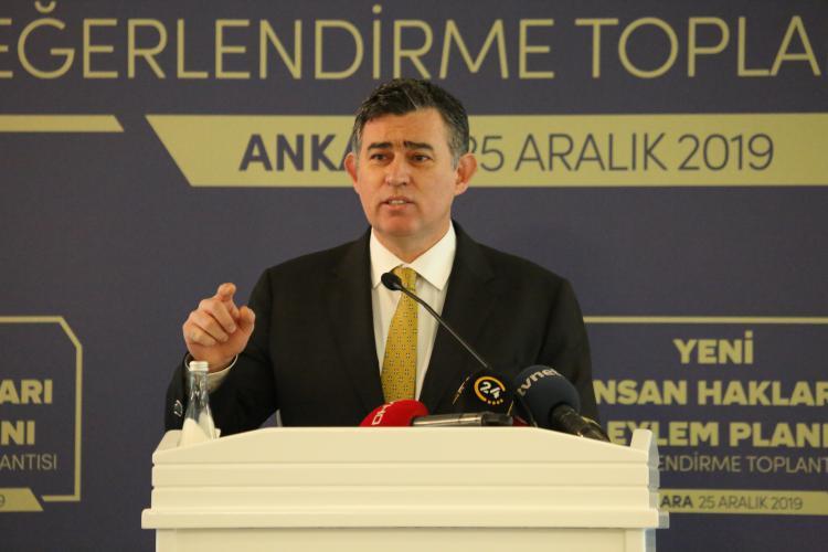 """Feyzioğlu: """"İnsan haklarının savunulması, hiçbir yapı ve örgütsel gruba teslim edilemez"""""""
