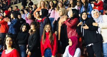 Gaziantepli Kadın Taraftarlar takımına destek oluyor