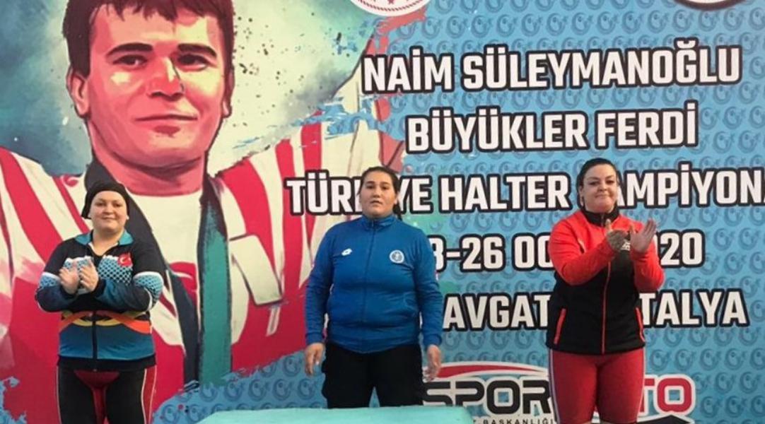 Naim Süleymanoğlu Halter Şampiyonası'nda Büyükşehir rüzgarı esti