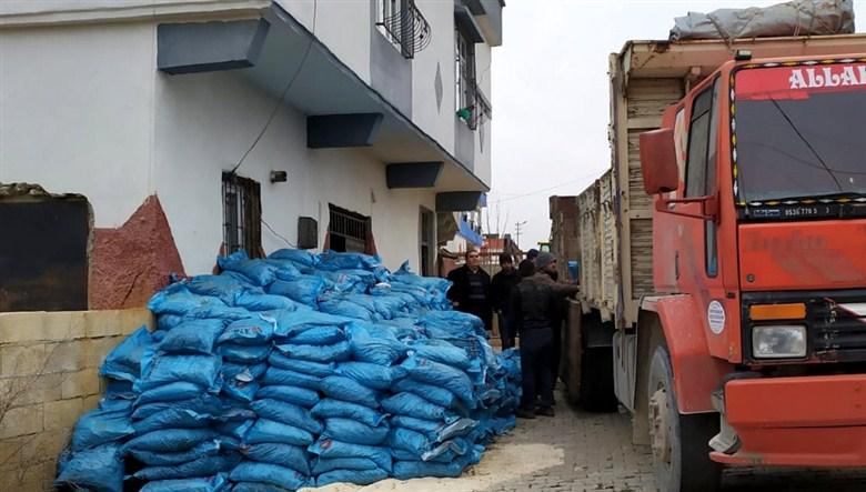Büyükşehir Zabıta ekipleri 22 ton kaçak kömür ele geçirdi