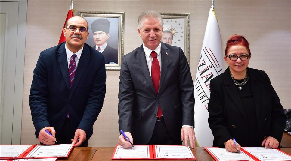 Devlet-Üniversite-Hayırsever İşbirliğine örnek şehir Gaziantep