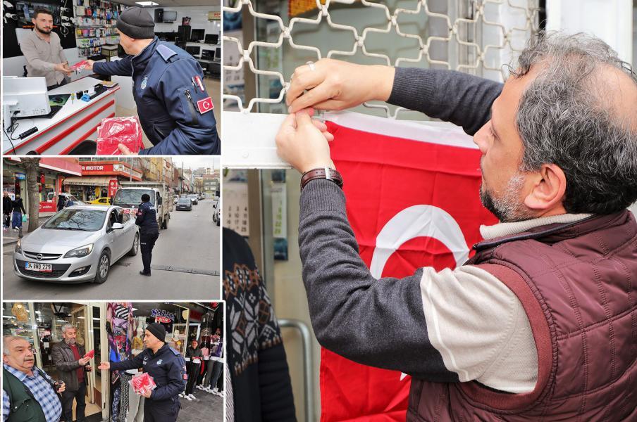 Şehitkamil Belediyesi bayrak dağıttı