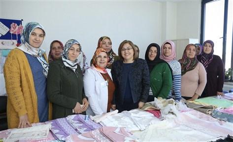 Başkan Şahin Beykent GASMEK'te kursiyerlerle bir araya geldi
