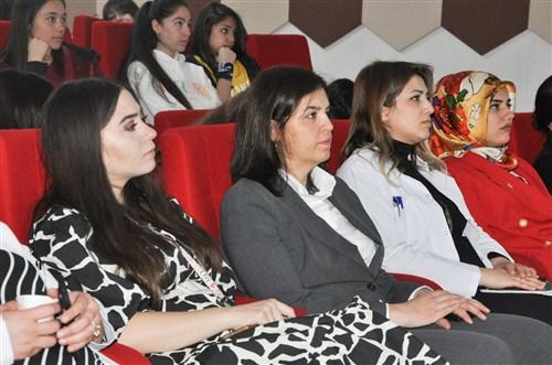 """Büyükşehir'den Kız öğrencilere """"Değişim Yönetimi Eğitimi"""""""