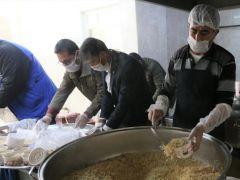 65 Yaş ve üstü yaşlılara sıcak yemek dağıtımı başladı