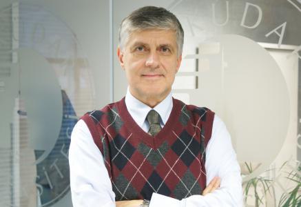 """Prof. Dr. Tayfun Uzbay: """"Kronik hastalıkları olanlar grip aşısı yaptırmalı"""""""
