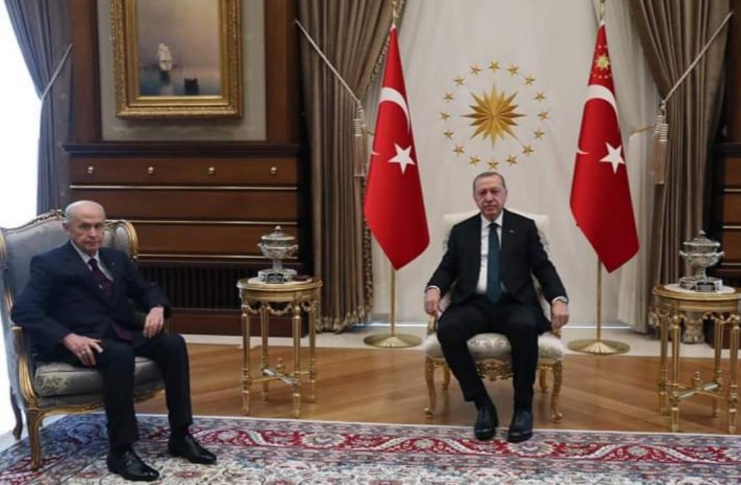 MHP Lideri Devlet Bahçeli, Cumhurbaşkanı Erdoğan ile Külliyede görüşüyor