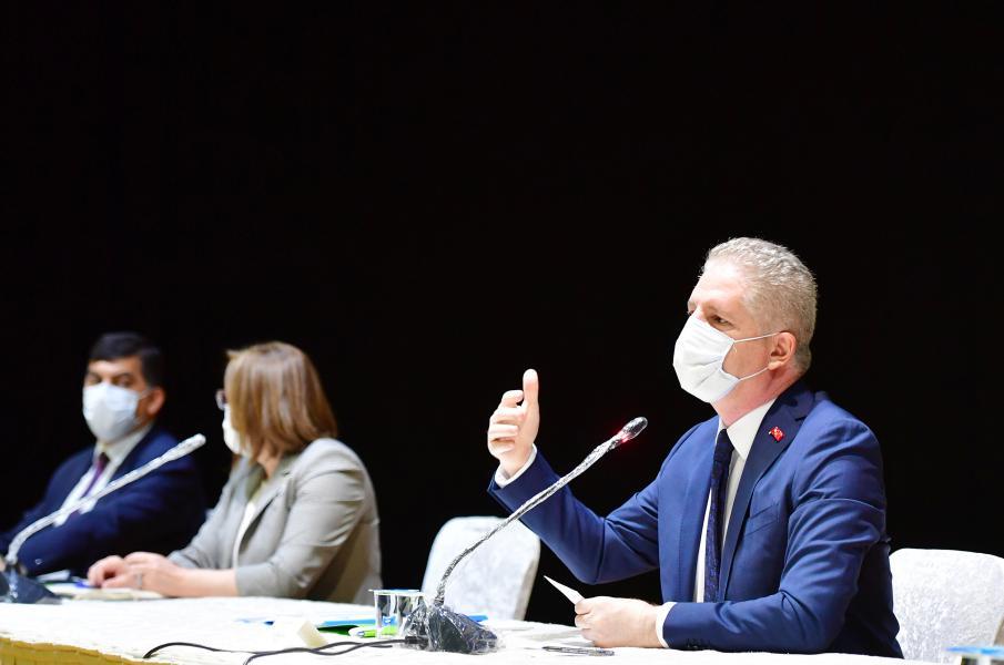 """Vali Gül, """"Toplum Olarak Seferberlik Boyutunda Virüsü Ortadan Kaldırabiliriz"""""""
