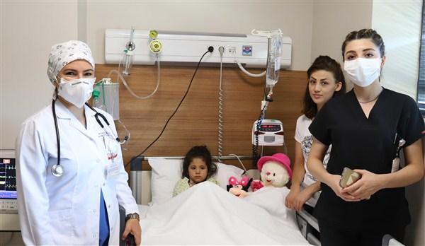 Defa Life Hastanesi'nde hayata tutundu