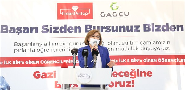 Gaziantep'in Yıldızı 211 Öğrenciye Burs Verecek