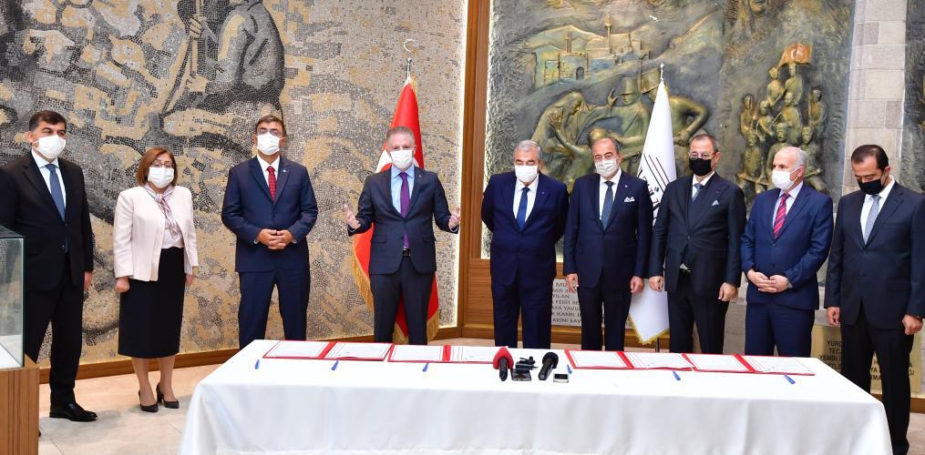 SANKO Cami ve Zeki Konukoğlu Cami için imzalar atıldı