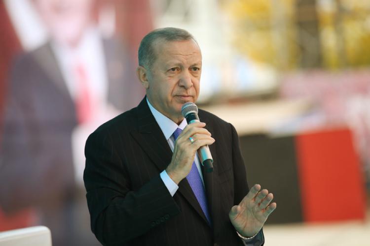 """Cumhurbaşkanı Erdoğan,""""Bugün Bize Düşen Kendi Davamıza Sıkı Sıkıya Sarılmaktır"""""""