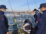 Galata Köprüsü'nde Standarda Uymayan Balık Tutanlara Ceza