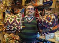 Yırtılmış Kilim ve Yünlerle Çanta Yapıp 20 Ülkeye İhracat Ediyor