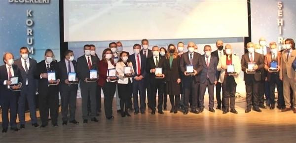 Yılın Ticaret Borsası Ödülü GTB'nin