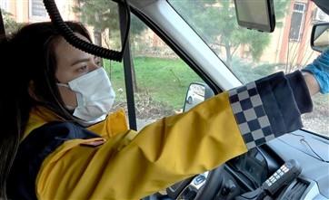 2 Milyonluk Şehrin Tek Kadın Ambulans Şoförü