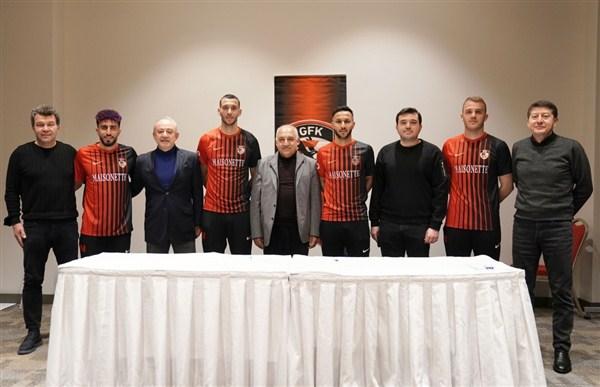 Gaziantep FK, 4 Futbolcu İle Sözleşme İmzaladı