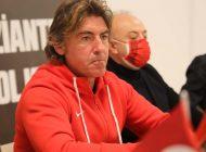 "Ricardo Sa Pinto: ""3 puan kaybetmeyi hak etmedik"""