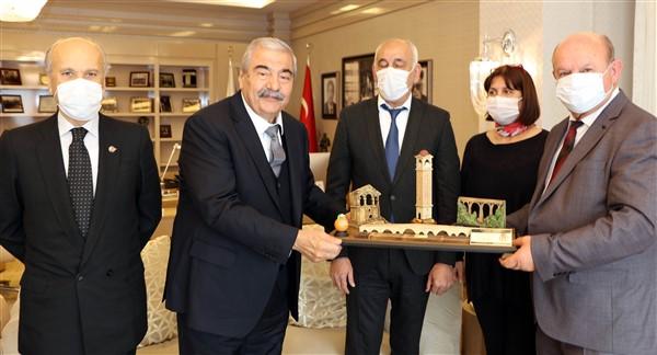 SANKO Onursal Başkanı Abdulkadir Konukoğlu'na onur ödülü