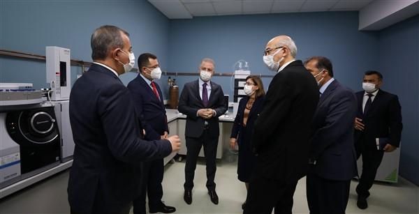 Vali Gül'den Ayakkabı Test Laboratuvarına Övgü