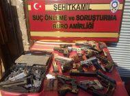 Hırsızlık Şüphelisi Kaçak Silah İmalathanesinde Yakalandı