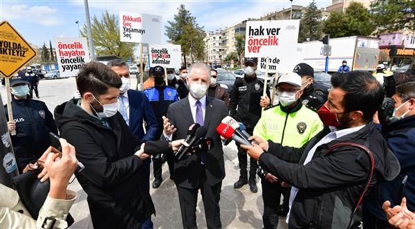 """Gaziantep'te """"Yayalar Kırmızı Çizgimiz"""" Uygulaması Başladı"""