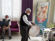 Alzaymır Hastası Ulu Çınarlar, Müzikli Terapi İle Moral Depoluyor