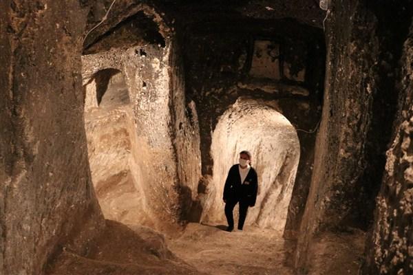Tünelleri Gezen Vatandaşlar, Zamanda Yolculuğa Çıkacak