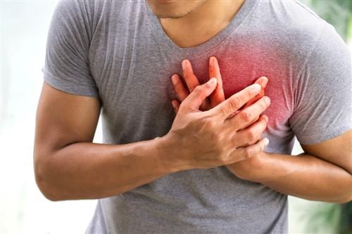 Kalp krizi kadın ve erkekte farklı sinyal veriyor!