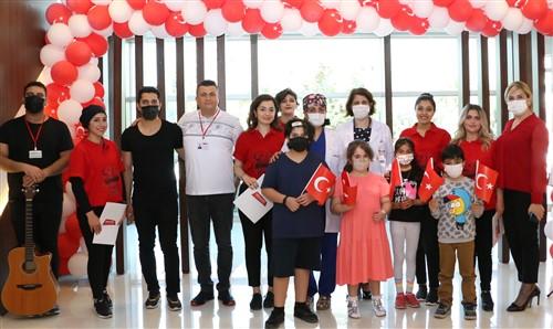 """Medical Park Gaziantep'te """"Şifa Veren Sesler"""" Korosu şifa oldu"""
