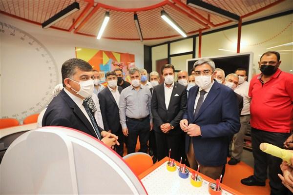 Başkan Fadıloğlu'ndan AK Parti Yönetimine Proje Brifingi