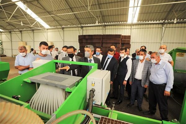AK Parti İlçe Yönetimi, Şehitkamil'deki Projeleri İnceledi
